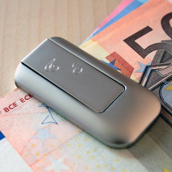 Geldscheinprüfer mit Geldscheinklammer